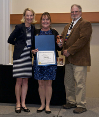 Maureen O'Leary and Patrick Condreay presenting the The Hashimoto Service Award to Darlene Ward, RBP, 2017 ABSA International Conference